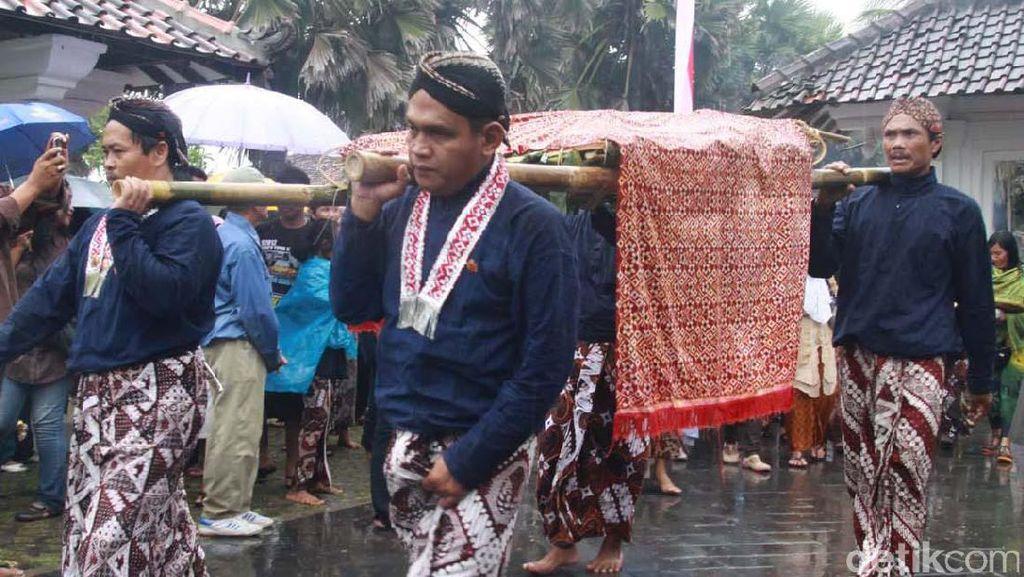 Keraton Yogyakarta Gelar Labuhan di Tiga Tempat