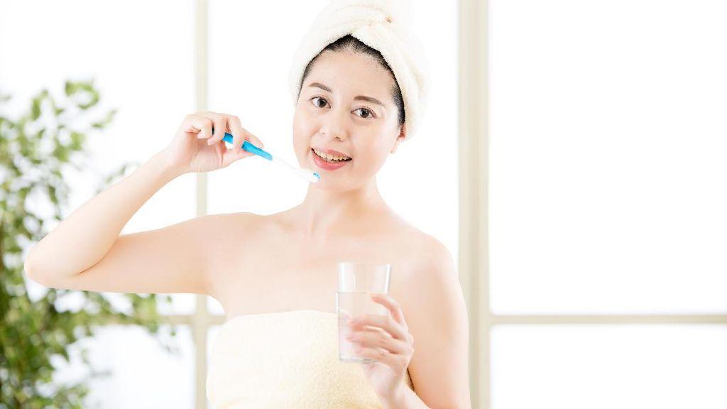 Cara Benar Kumur Setelah Sikat Gigi yang Belum Tentu Semua Orang Tahu