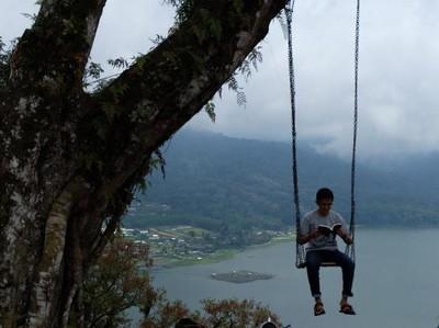 Sudah Tahu, Danau di Buleleng Bali Ini Cantik Banget!