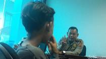Viral di Medsos, Ini Cerita Bocah yang Nyetir Angkot di Bandung