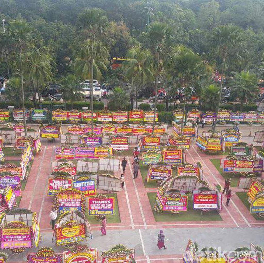Karangan Bunga untuk Ahok di Balai Kota DKI Capai 1.000 Buah