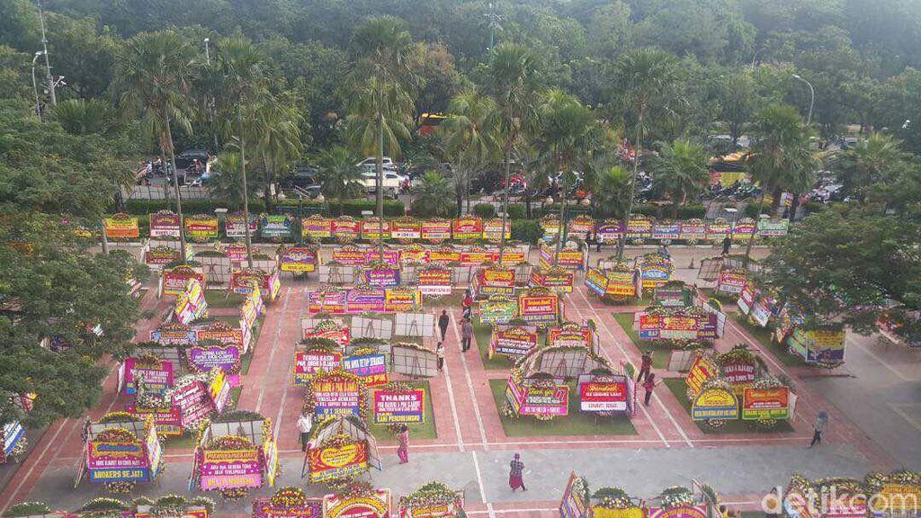 Video: Balai Kota Berubah Jadi Lautan Bunga