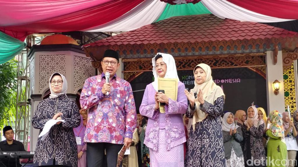Menteri Agama Tutup Kongres Ulama Perempuan Indonesia di Cirebon