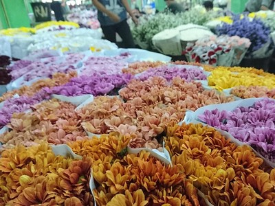 Pasar Tempat Karangan Bunga untuk Ahok yang Fotogenik