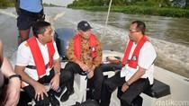 Menyusuri Sungai Jalur Angkut Barang Bekasi-Tanjung Priok