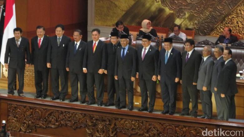 DPR Lantik Ketua dan 8 Anggota BPH Migas