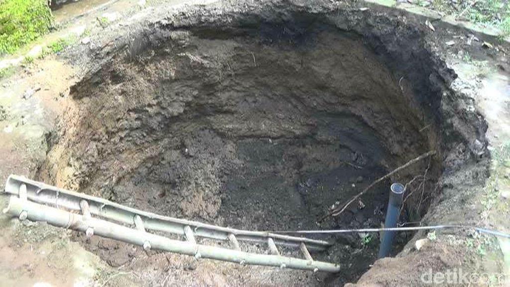 Badan Geologi Kirim Tim untuk Selidiki Sebab Amblasnya Sumur Warga