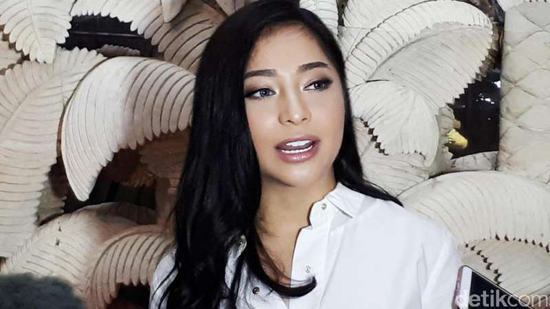 Pesona Nikita Willy