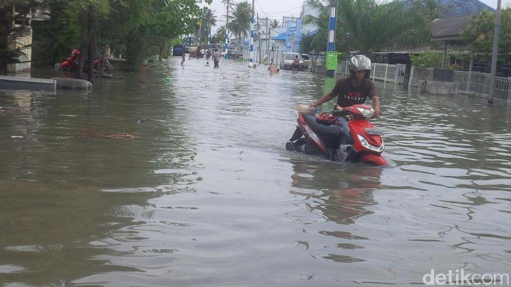 Banjir Rob 50 Cm di Belawan Sumut, Ratusan Rumah Terendam