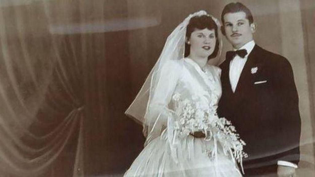 Pasangan Menikah 69 Tahun Meninggal  Bergandengan Tangan di Hari yang Sama