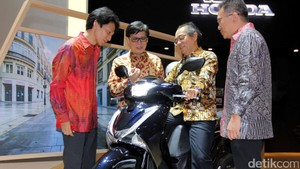 Skutik Premium Honda Bergaya Eropa