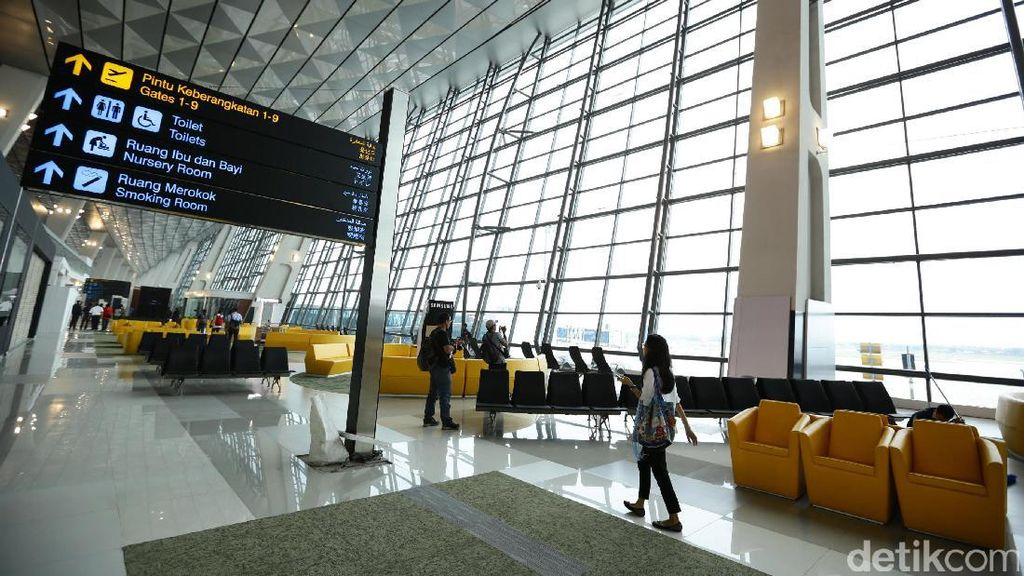 Ada Bus dari Mal ke Bandara, Bagaimana Nasib Taksi?