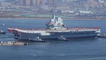 Penampakan Kapal Induk Perdana Made In China