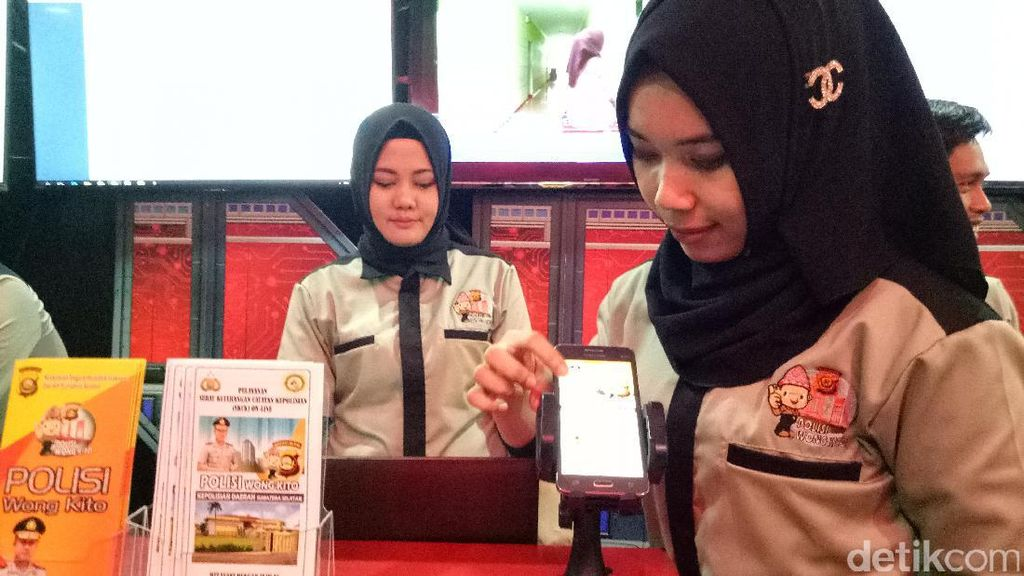 Kapolri Luncurkan Polisi Wong Kito, Aplikasi SKCK hingga Panic Button