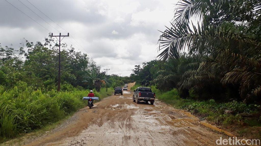 Jalan Paralel Entikong-Rasau 2 Tembus Hutan Hingga Lewati Sungai