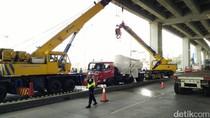 Truk Tangki Selesai Dievakuasi, Dua Jalur Kembali Dibuka