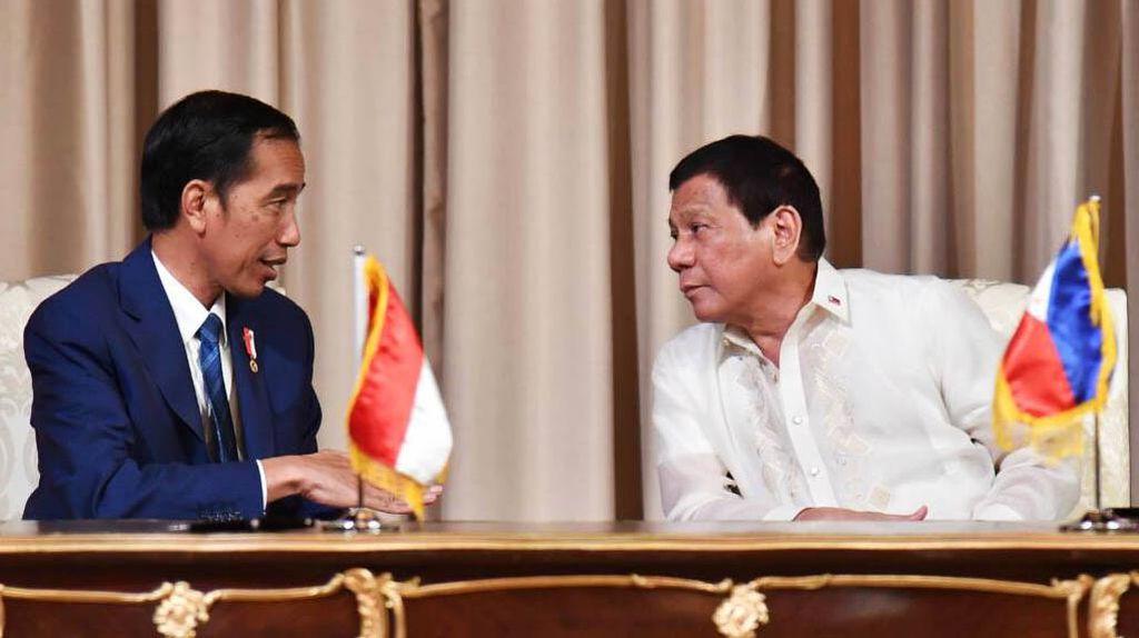 Jokowi Bertemu Duterte, Jalur Kapal RI-Filipina Bakal Dibuka