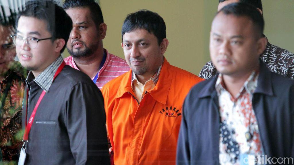 Ditahan KPK, Fahd A Rafiq Tebar Senyum Manis