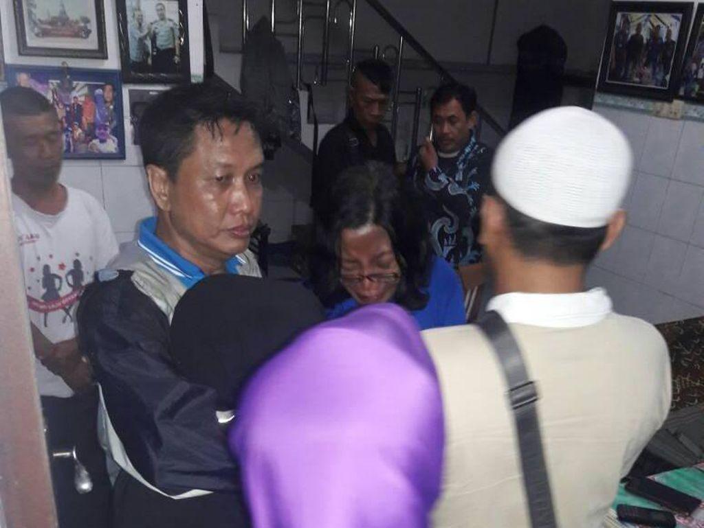 Bambang Gentolet Tutup Usia, Teman Sejawat Berbondong ke Rumah Duka