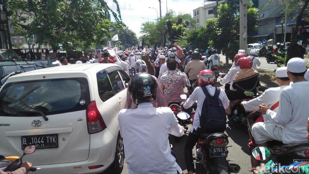 Ada Long March Massa GNPF MUI, Arus Lalin di Pasar Baru Macet