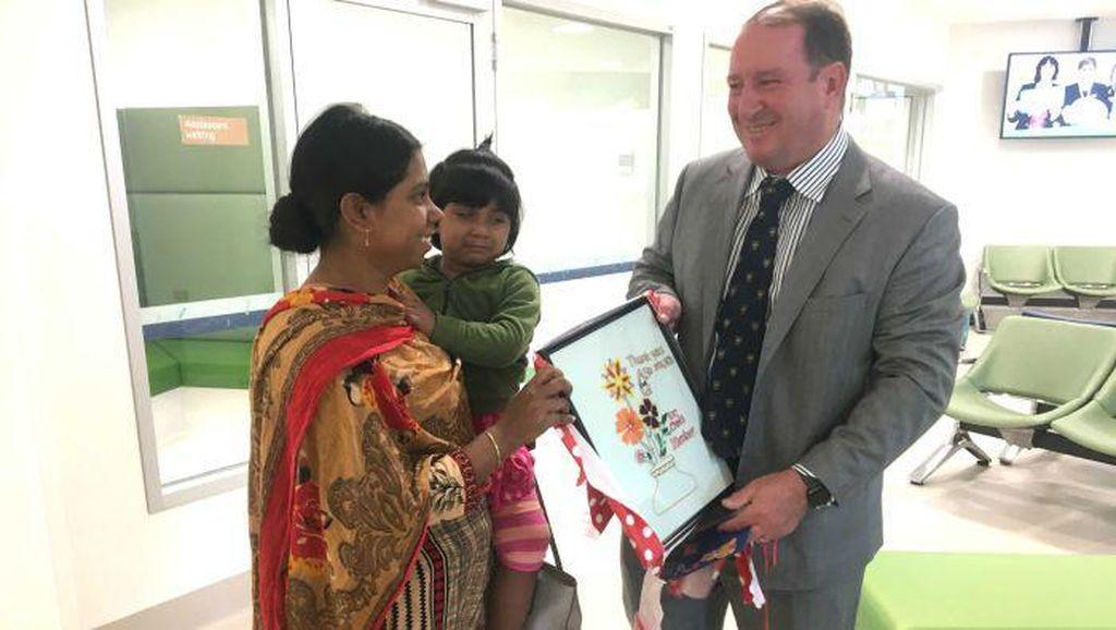 Kebanggaan Tim Dokter Australia, Sukses Operasi Balita Berkaki 3