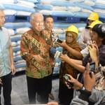 Cek Gudang Distributor dan Pabrik Gula, Mendag: Stok Masih Banyak