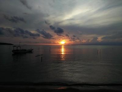 Biar Semangat, Lihat Dulu Nih Sunrise di Karimunjawa