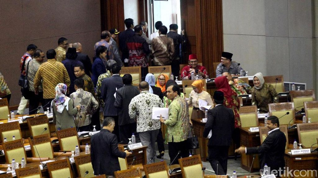 Gerindra Walk Out, Fadli Zon: Kami Tetap Hormati Keputusan Sidang