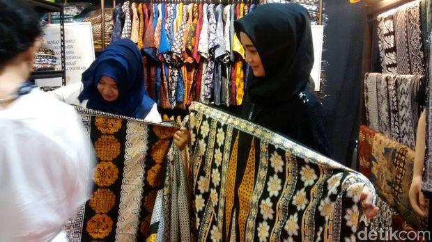 Sarung batik Pekalongan-Antero Batik