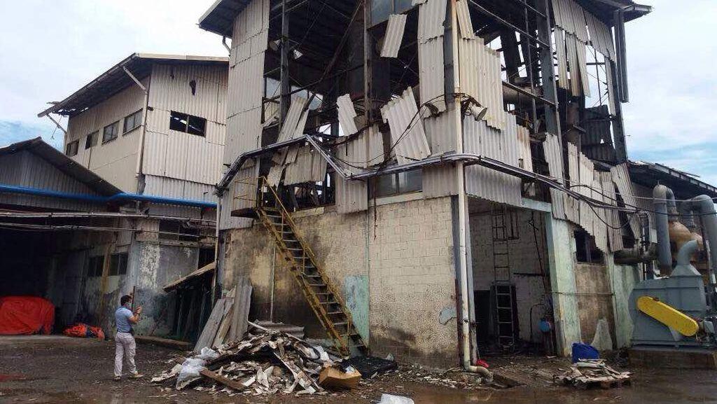 Ledakan Sebabkan Kebakaran di PT Dongjin, 2 Orang Luka