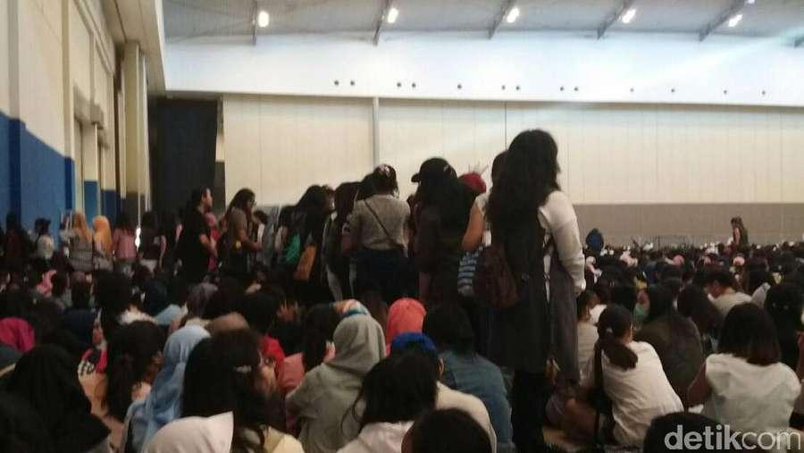 Antrean Konser BTS Kacau, Fans Marah-marah