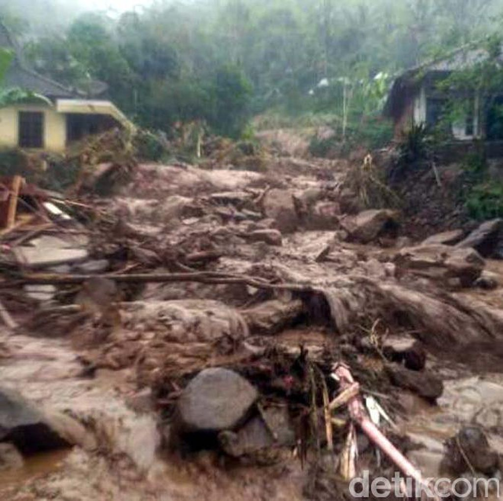 BNPB: Pengungsi Banjir Bandang Magelang Krisis Logistik