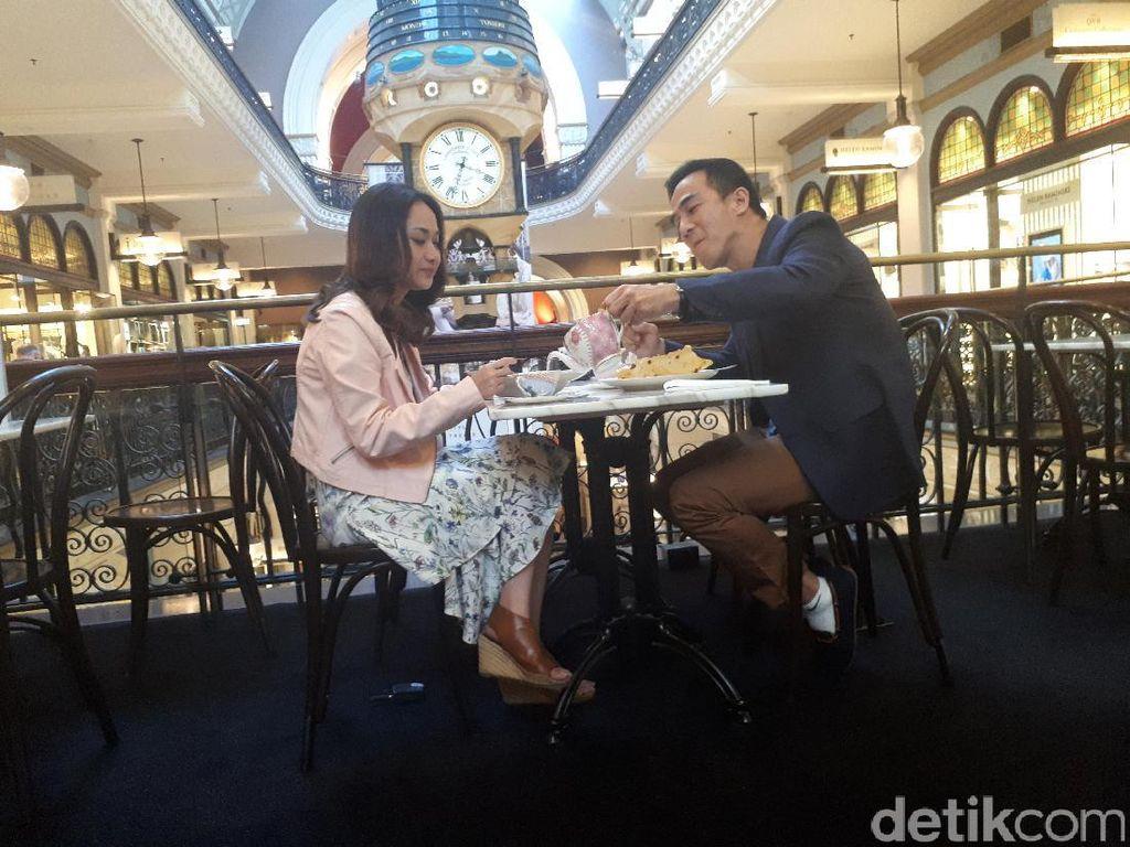 Joe Taslim dan BCL Makan Malam Romantis di Bekas Gedung Kolonial Inggris