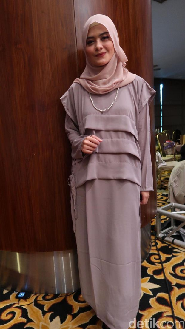 Dea Nahara, personel baru grup vokal hijab Noura.