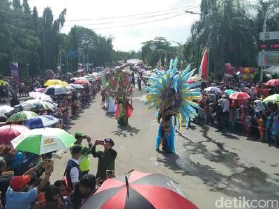 Komunitas Dayak Semarakkan Cilegon Ethnic Carnival