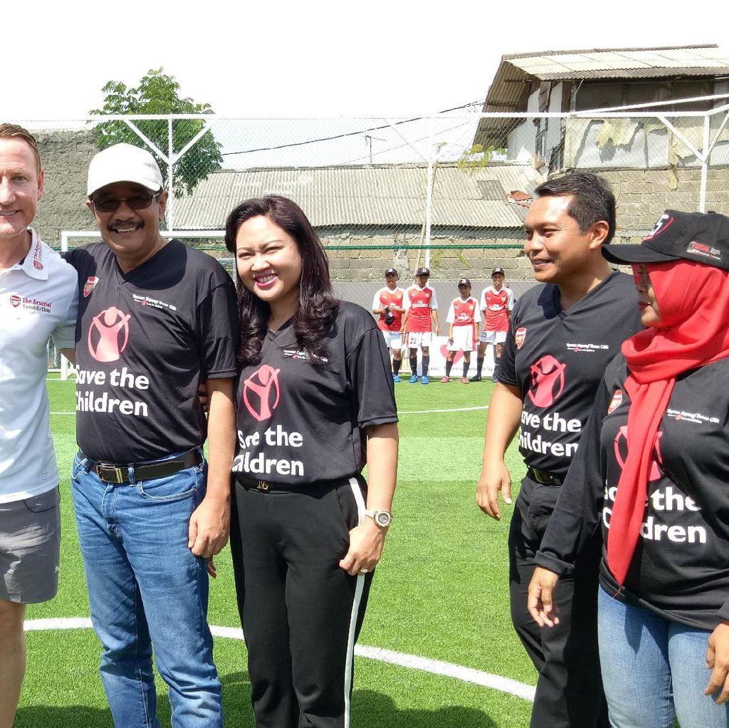 Saat Djarot Goda Legend Arsenal dengan Bahasa Jawa: Mrene Ray