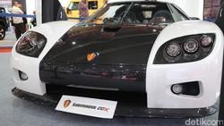 Salah Satu Mobil Termahal Dunia Pamer Otot di Jakarta