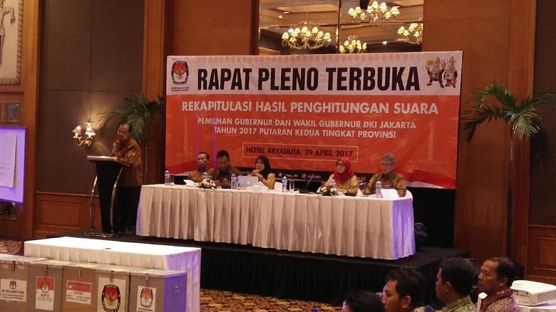 KPU Kepulauan Seribu Jadi yang Pertama Buka Kotak Suara di Pleno KPU