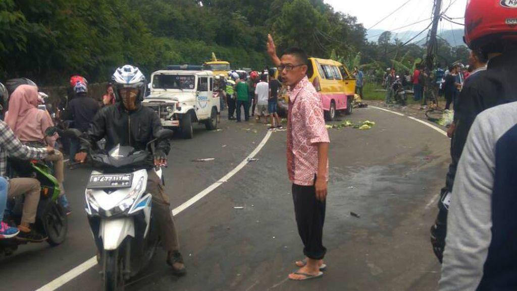 Usai Evakuasi Kecelakaan Maut, Lalin Puncak-Cianjur Lancar
