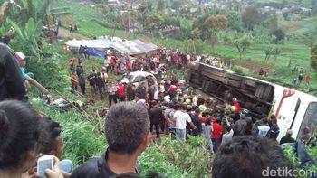 Kecelakaan Maut di Ciloto, 11 Orang Tewas