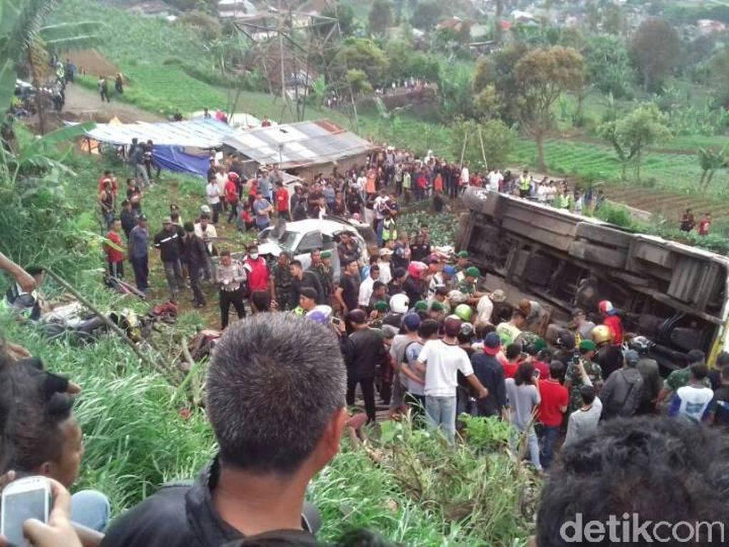 Ini Identitas Korban Tewas Kecelakaan Maut di Ciloto