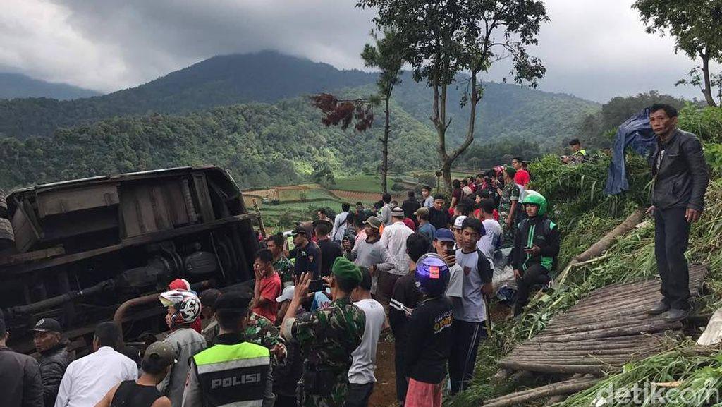 Kondektur Bus Sempat Teriak Rem Blong Sebelum Kecelakaan di Puncak