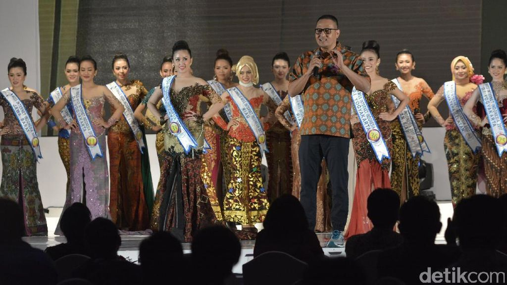 Malam Penobatan Miss Internet Indonesia 2017