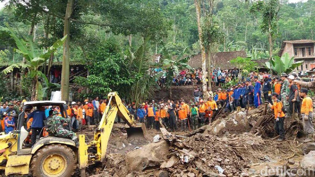 Alat Berat Diturunkan untuk Cari Korban Banjir Bandang Magelang