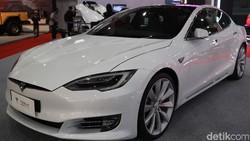 Tesla Model S P100D Hadir di Jakarta