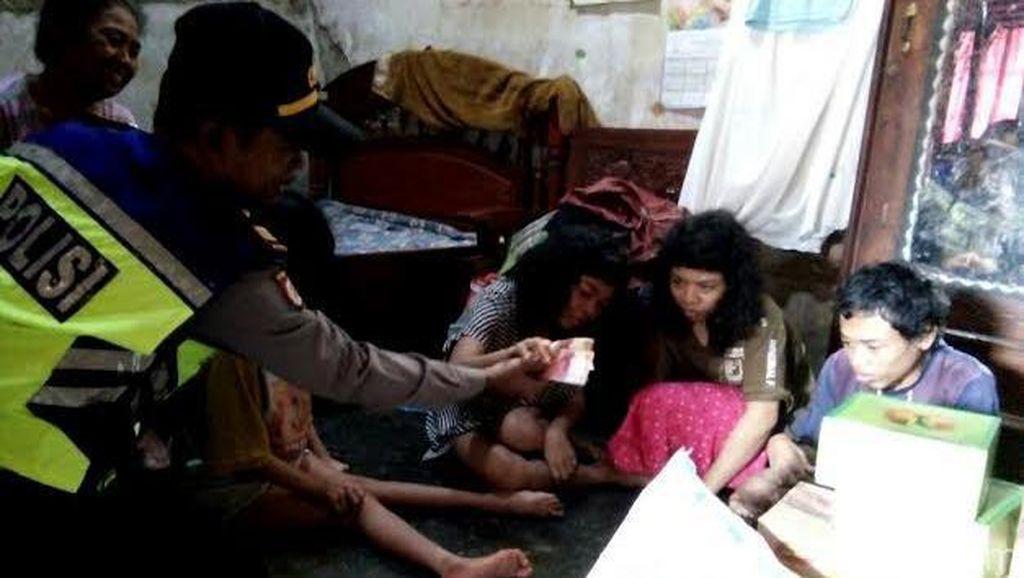 Cerita Sepasang Buruh Tani Renta dan 4 Anaknya yang Lumpuh