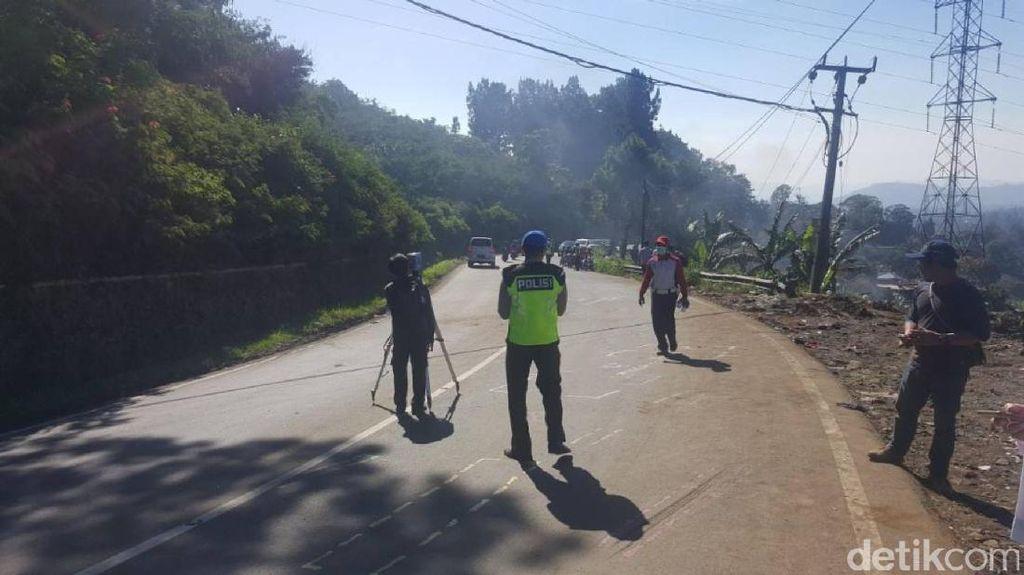 Olah TKP Kecelakaan Maut Ciloto, Polisi Pakai Alat Pemindai 3D