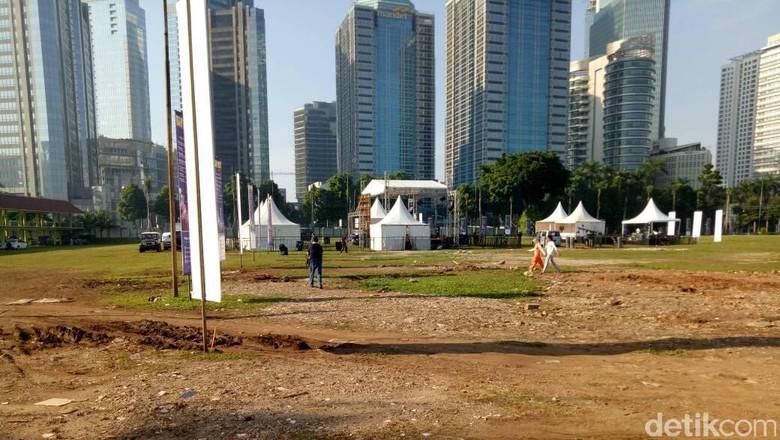 May Ada Panggung Hiburan untuk - Jakarta Cara berbeda ditunjukkan pemerintah dalam menyambut hari buruh atau May Pemerintah menyiapkan sebuah panggung hiburan untuk menghibur