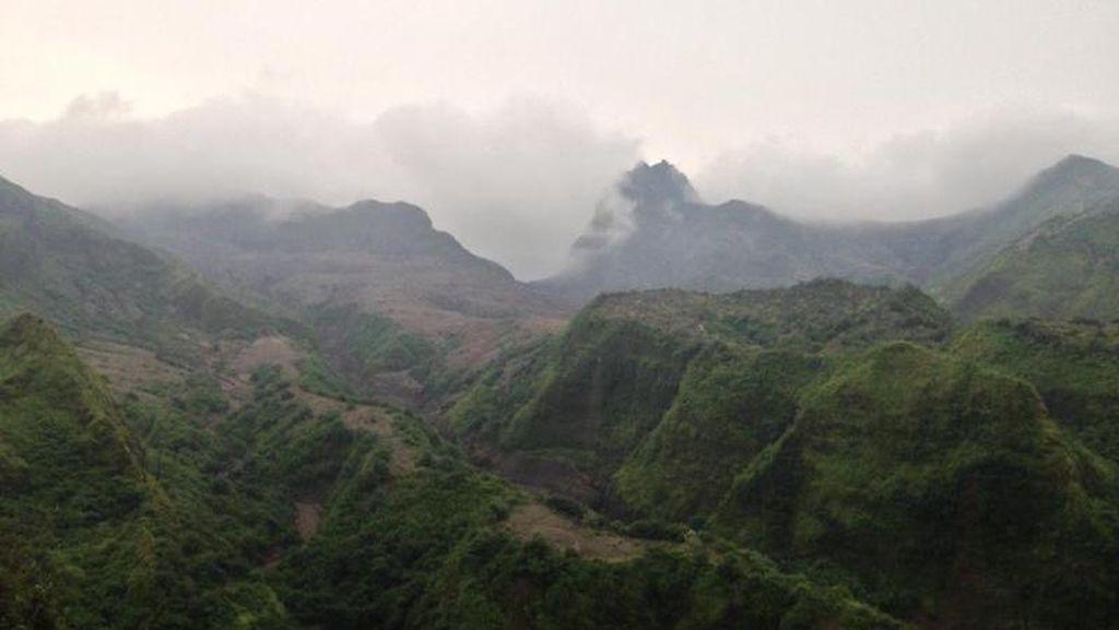 Seperti di Film Jurassic Park, Begini Indahnya Gunung Kelud
