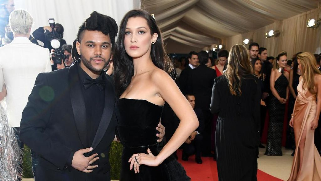 Bella Hadid Like Foto The Weeknd di Instagram, Belum Move On?